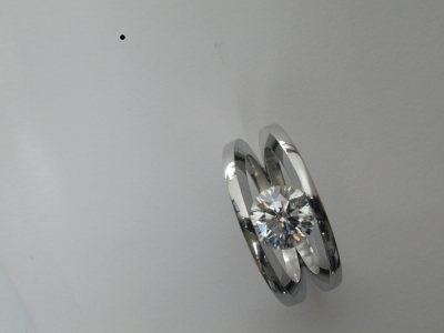 Modern twin skank diamond ring